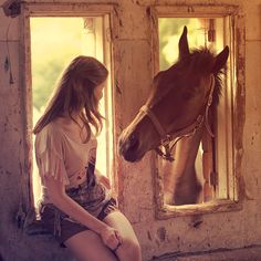 So beautiful. I'd love a photo like this. My horse has the personality for this too! All The Pretty Horses, Beautiful Horses, Hello Beautiful, My Horse, Horse Love, Horse Girl, Horse And Human, Vie Simple, All About Horses