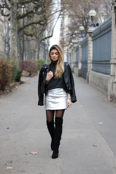 Tendance cuissardes et jupe argentée / www.marieandmood.com / Streetstyle / DECEMBER / Style