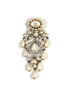 Rare Vintage Roger Scemama Depose Made in France Rhinestone and Pearl Dangle Fur Clip