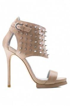 Chaussures Pollini cloutées