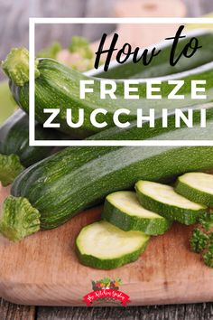 Knowing how to freeze zucchini can help extend your summer harvest well into the fall and winter. Use garden fresh zucchini to easily freeze for use later! Zucchini Plants, Sauteed Zucchini, Zucchini Vegetable, Freezing Vegetables, Frozen Vegetables, Planting Vegetables, Vegetable Gardening, Zuchinni Recipes, Vegetable Recipes