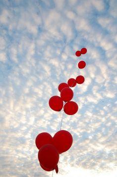 20090227 99 Luftballons by:  TomSpaulding