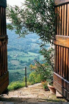 agritourisme toscane, les rues italiennes avec vue