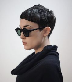 New Haircut Short Fringe Bowl Cut 44 Ideas Short Bangs, Short Pixie Haircuts, Pixie Hairstyles, Hairstyles With Bangs, Short Hair Cuts, Cool Hairstyles, Haircut Short, Black Hairstyles, Pelo Pixie
