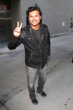 Adam Beach giving the Peace sign...could it be any better? :D