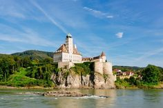 This day trip takes you from Vienna to the Wachau, a picturesque valley along the Danube, known for its excellent wine. Day Trips From Vienna, Boat Tours, Walking Tour, World Heritage Sites, Beautiful Landscapes, Palace, Campaign, Castle, Content