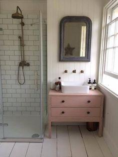 Trendy Bathroom Interior Design Wood Home Bad Inspiration, Bathroom Inspiration, Cute Bathroom Ideas, Pink Vanity, Painted Vanity, Small Bathroom, Neutral Bathroom, Family Bathroom, Bathroom Black