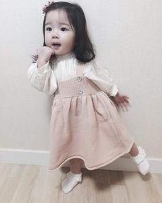 Children and Young Fashion Kids, Baby Girl Fashion, Toddler Fashion, Fashion 2020, Fashion Design, Fashion Trends, Cute Asian Babies, Korean Babies, Cute Babies