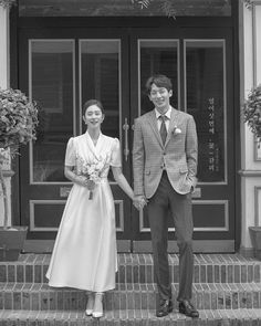 Pre Wedding Poses, Pre Wedding Photoshoot, Wedding Shoot, Dream Wedding, Marriage Poses, Korean Photoshoot, Wedding Fotos, Korean Wedding Photography, Indonesian Wedding