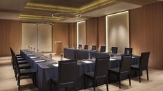 The KOCHO banquet room provides an intimate setting perfect for meetings and break-out sessions.