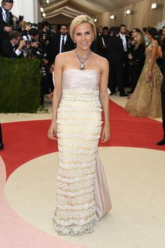"""Tory Burch Photos Photos - Designer Tory Burch attends the """"Manus x Machina: Fashion In An Age Of Technology"""" Costume Institute Gala at Metropolitan Museum of Art on May 2, 2016 in New York City. - 'Manus x Machina: Fashion In An Age of Technology' Costume Institute Gala - Arrivals"""