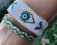 Evil Eye Bracelet, Bracelet Set, Beaded Bracelet Patterns, Beaded Bracelets, Peyote Patterns, Bead Patterns, Gold And Silver Bracelets, Fashion Beads, Charm Jewelry