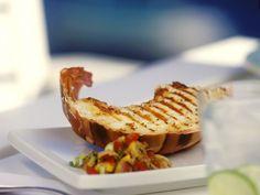 Hummer vom Grill ist ein Rezept mit frischen Zutaten aus der Kategorie Hummer. Probieren Sie dieses und weitere Rezepte von EAT SMARTER!