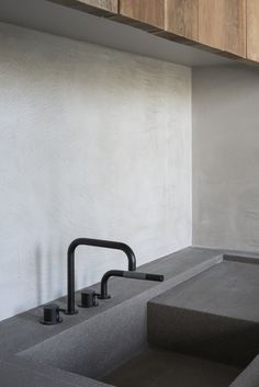 Vincent Van Duysen, Koen Van Damme · C Penthouse Vincent Van Duysen, Modern Minimalist House, Italian Home, Home Decor Quotes, Cottage Interiors, City Living, Online Home Decor Stores, Cheap Home Decor, Kitchen Interior