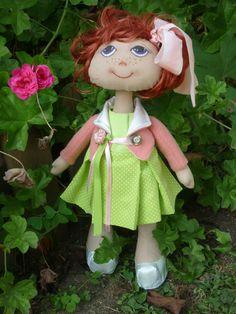 Muñeca de trapo hecha a mano