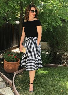 My Must-Have Bag for Spring & Summer - Parker Posts Cute Dresses, Casual Dresses, Casual Outfits, Cute Outfits, Modest Outfits, Modest Fashion, Fashion Dresses, Blue Skirt Outfits, Modest Wear