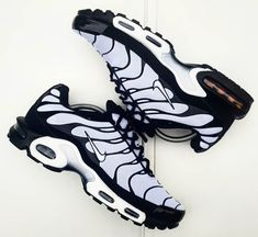 Nike Tn Shoes, Best Nike Running Shoes, Tn Nike, Black Nike Shoes, Sneakers Nike, Nike Shoes Air Force, Nike Air Max, Fresh Shoes, Homemade Beauty Products