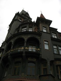 #Steampunk Tendencies | Victorian House, Pragues - Lyuba #Architecture #Inspiration