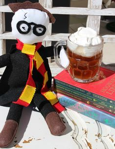 Homemade butterbeer recipe + Harry Potter felt dolls & a free printable coloring page | Me and My Inklings