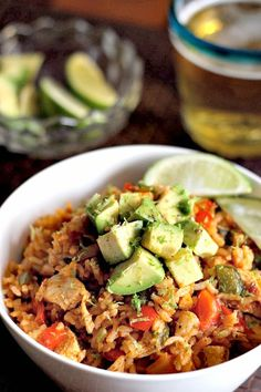 This Chicken Fajita Rice is perfect for your Cinco De Mayo dinner! Chicken, peppers, onions and avocado mixed in with seasoned rice, it's a fiesta for dinner! Ww Recipes, Light Recipes, Mexican Food Recipes, Cooking Recipes, Healthy Recipes, Healthy Foods, Cooking Pork, Recipes Dinner, Free Recipes