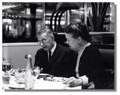 Simone de Beauvoir — Simone de Beauvoir et Jean-Paul Sartre au...