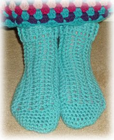 Very easy crocheted slipper sock pattern, available for free.
