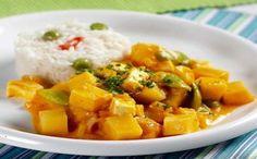 Ajiaco de papas y habas Peruvian Recipes, Paleo Recipes, Sweet Potato, Potato Salad, Curry, Fruit, Vegetables, Cooking, Ethnic Recipes