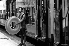 Il treno che porta al mare. The train that leads to the sea.