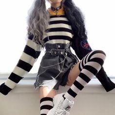 yurikosu yurikosu Fall fashion women who looks great . Egirl Fashion, Teen Fashion Outfits, Kawaii Fashion, Grunge Fashion, Cute Fashion, Korean Fashion, Fashion Looks, Fashion Women, Fashion Ideas