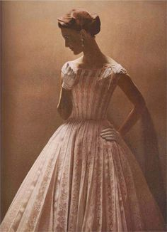 Harper's Bazaar February 1955 Photography: Richard Avedon Ernst Beadle