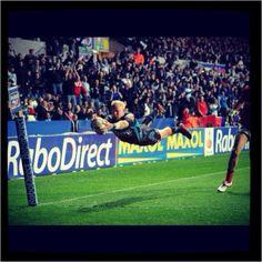 The legendary flying man... #Ospreys #rugby #HannoDirksen