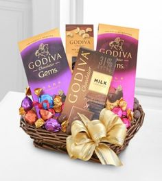 The Godiva Chocolate Sampler Simple, Elegant, Godiva. sample the delicious tastes of Godiva chocolates including an assortment of milk chocolate assorted Chocolate Delight, Chocolate Sweets, Chocolate Gifts, Chocolate Dipped, Chocolate Lovers, Gourmet Gifts, Food Gifts, Holi Gift, Godiva Chocolatier