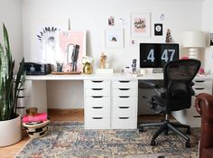 One Room Challenge — Fall 2015 Finale. Final room reveal of my Home Office design project. A makeover with vintage finds mixed with new home decor. I wanted a workspace that was comfy. Click thru to the blog for all the details. - Interior Design using the Loloi Anastasia Rug and IKEA white design workspace