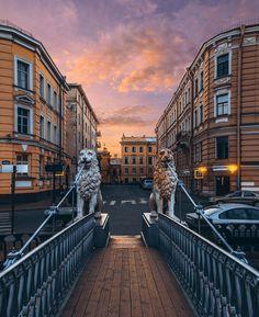 Львиный мост.    Автор фото: Андрей Михайлов (Andrei_mikhailov).