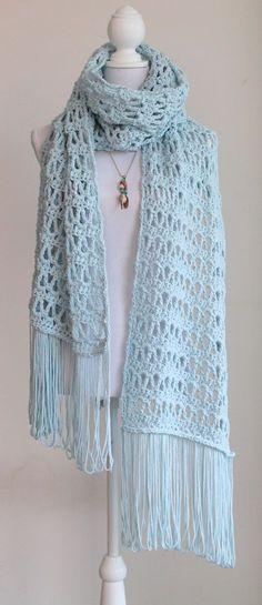 Kijk wat ik gevonden heb op Freubelweb.nl: een gratis haakpatroon van Studio Dromenvanger om deze heerlijke warme wintersjaal te maken https://www.freubelweb.nl/freubel-zelf/gratis-haakpatroon-sjaal-34/