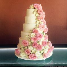 Hermoso pastel de boda con rosas Bodas.com.mx Pastelería La Migaja Wedding Art, Wedding Cakes, Quinceanera Ideas, Ideas Para, Naked, Desserts, Food, Gastronomia, Pastel Pink