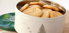 Oppskrift på Drømmer | Julekaker fra Melange Norwegian Christmas, Snacks, Food And Drink, Sweets, Sugar, Cookies, Baking, Christmas Cakes, Felt