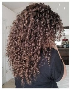 3b Curly Hair, Short Curly Wigs, Colored Curly Hair, Curly Hair Styles, Natural Hair Styles, Medium Curly, Curly Hair Layers, Curly Long Hair Cuts, Long Layered Curly Hair