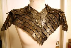 This shoulder armor is based on the costume that Legolas wears in Peter Jacksons screening of The Hobbit- Desolation of Smaug. The base is made of a