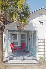 Walk+to+Beach+&+Old+Town+at+the+Newly+Renovated+Black+Dog+Cottage+++Vacation Rental in Texas Gulf Coast from @homeaway! #vacation #rental #travel #homeaway