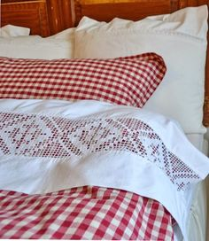 Red and white check /gingham paired with a vintage style openwork on sheet.