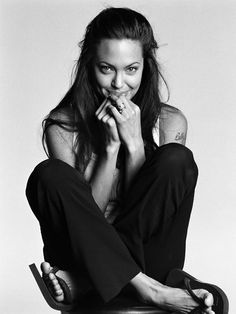 Angelina Jolie by Michael Thompson.love this photo Angelina Jolie Fotos, Angelina Joile, Brad Pitt, Most Beautiful Women, Beautiful People, Beautiful Smile, Michael Thompson, Jolie Pitt, Ex Machina