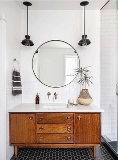 Bathroom decor for your master bathroom renovation. Learn bathroom organization, bathroom decor ideas, bathroom tile tips, master bathroom paint colors, and more. Bathroom Organization, Bathroom Storage, Bathroom Interior, Bathroom Ideas, Bathroom Inspiration, Bathroom Cleaning, Bathroom Designs, Bath Ideas, Budget Bathroom