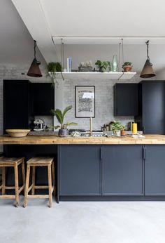 Basic Theme of Scandinavian Kitchen Decor Ideas - Home Decor & DIY Ideas Home Decor Kitchen, Rustic Kitchen, Home Decor Bedroom, Kitchen Ideas, Kitchen Tips, Industrial Style Kitchen, Kitchen White, Concrete Kitchen Floor, Kitchen Flooring