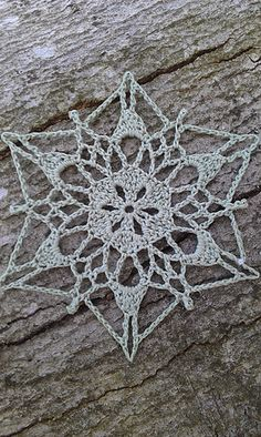 Ravelry: Sunday Snowflake pattern by snowflakepatterns