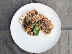 Filete de coliflor con champiñones