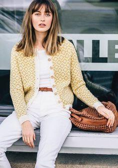 Ravelry: Blomsterjakke pattern by Sandnes Garn Knitting Designs, Knitting Projects, Knitting Patterns, Knitting Tutorials, Stitch Patterns, Fair Isle Knitting, Hand Knitting, Vintage Knitting, Yarn Inspiration