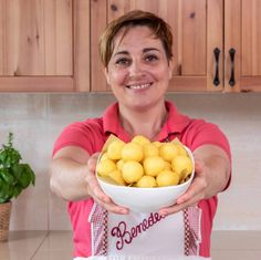 PALLINE DI PATATE DA BUFFET   Fatto in casa da Benedetta Cooking Time, Cooking Recipes, Ketchup, Antipasto, I Foods, Finger Foods, Food Art, Italian Recipes, Serving Bowls