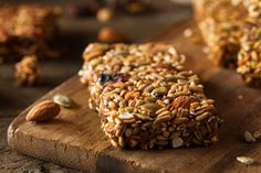 barres de céréales maison Cereal Diet, Healthy Cereal, Cereal Cookies, Cereal Bars, Granola Barre, Banana Bread French Toast, Homemade Cereal, Brunch, Snacks
