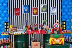 Os heróis da Marvel é um tema ótima para a festa do seu filho. Os Vingadores são um grupo de super-heróis de história em quadrinhos da editora Marvel Comics